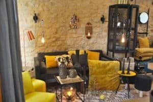 canapé et coussins à Sarlat